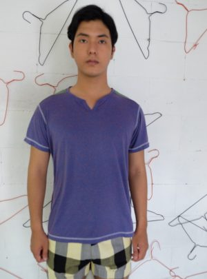 T- shirt purple